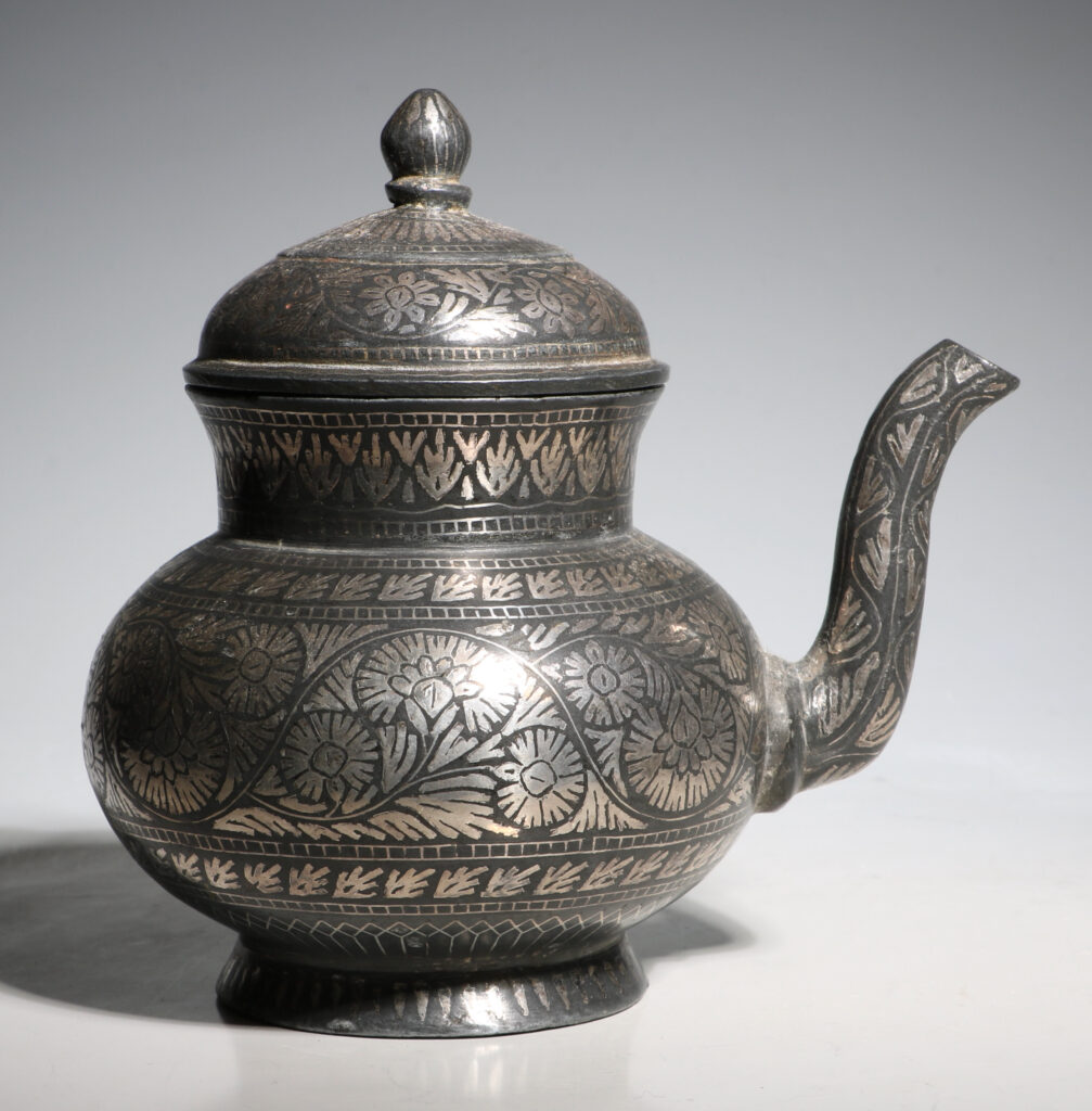 Indian Bidri Spouted Lota and Cover E19thC 1