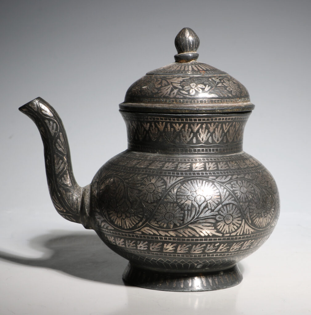Indian Bidri Spouted Lota and Cover E19thC 3