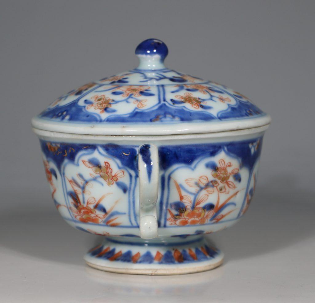 A Chinese Imari Ecuelle 18thC 2