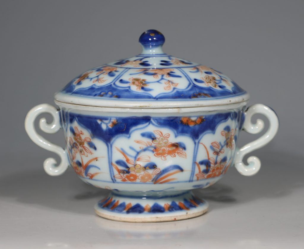 A Chinese Imari Ecuelle 18thC 3
