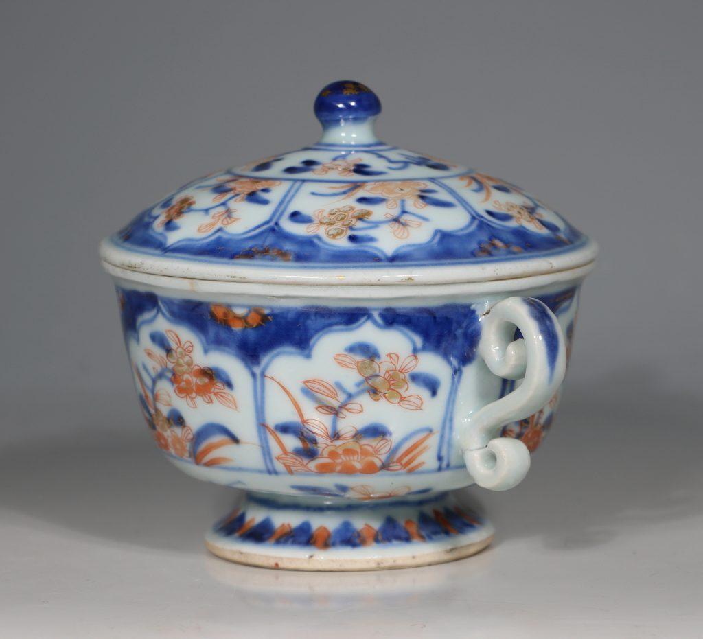 A Chinese Imari Ecuelle 18thC 4