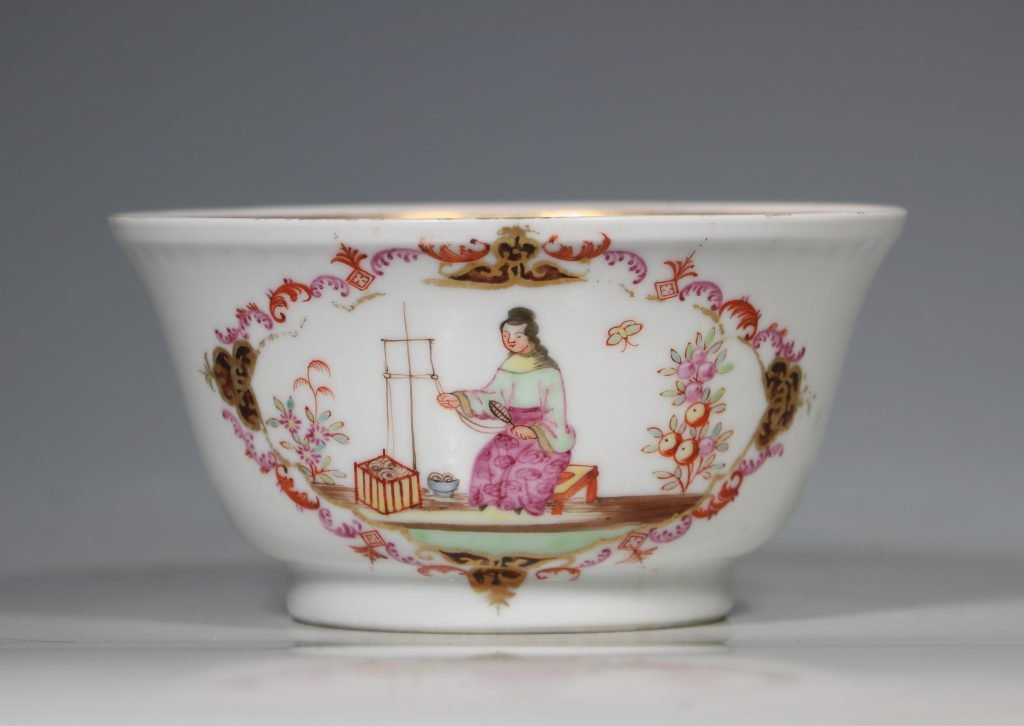 A Famille Rose 'Spinning Maiden' Bowl Qianlong 18thC 1