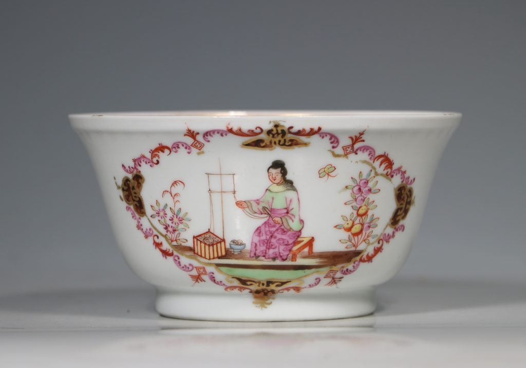 A Famille Rose 'Spinning Maiden' Bowl Qianlong 18thC 2