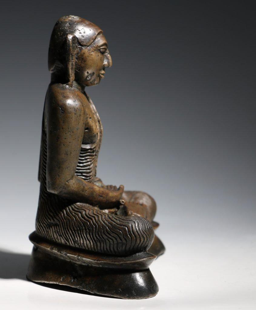 A Seated Buddha Sri Lanka 18thC 8