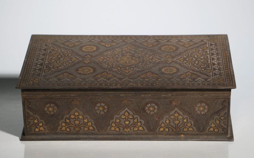 An Anglo Indian Armorial Koftgari Box 19thC 1