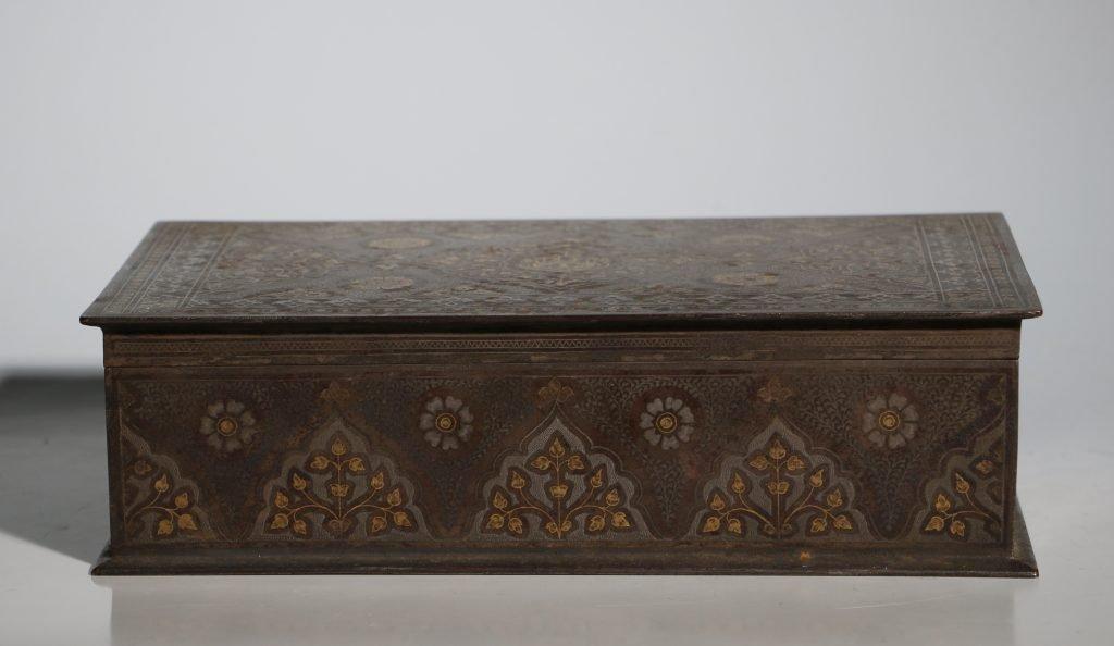 An Anglo Indian Armorial Koftgari Box 19thC 2