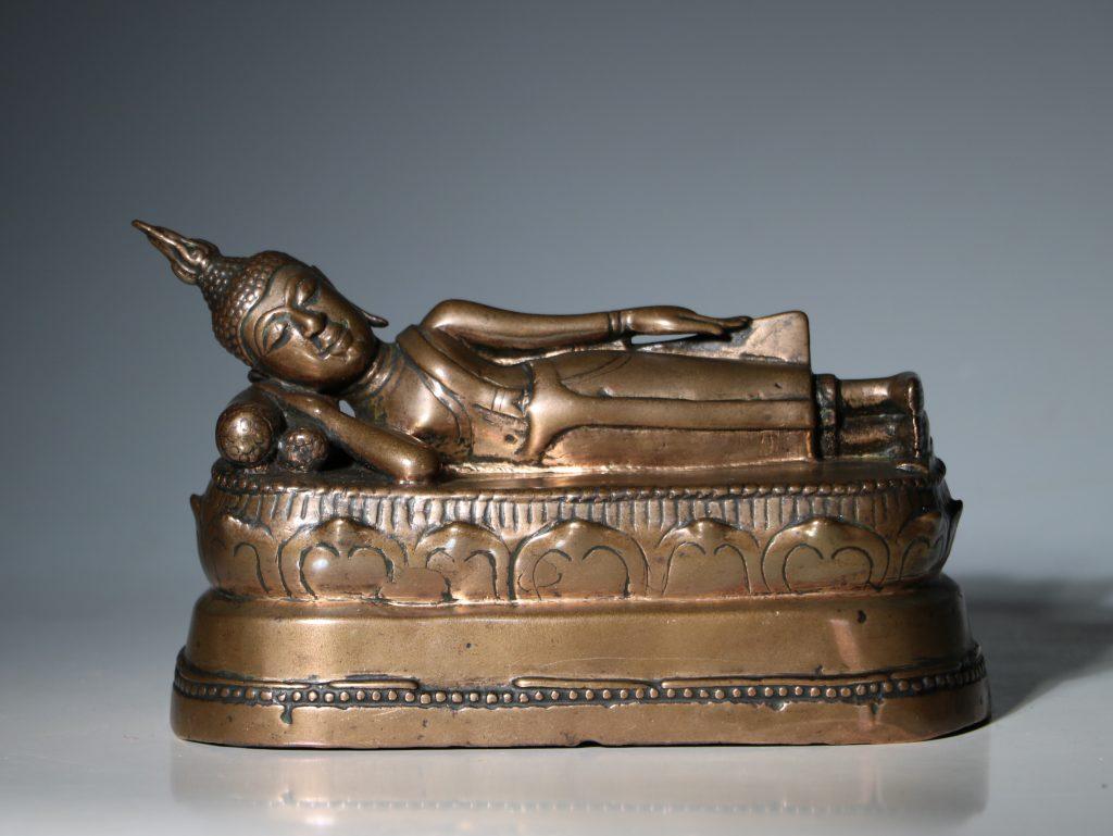 A Thai Figure of the Reclining Buddha 17/18thC 1