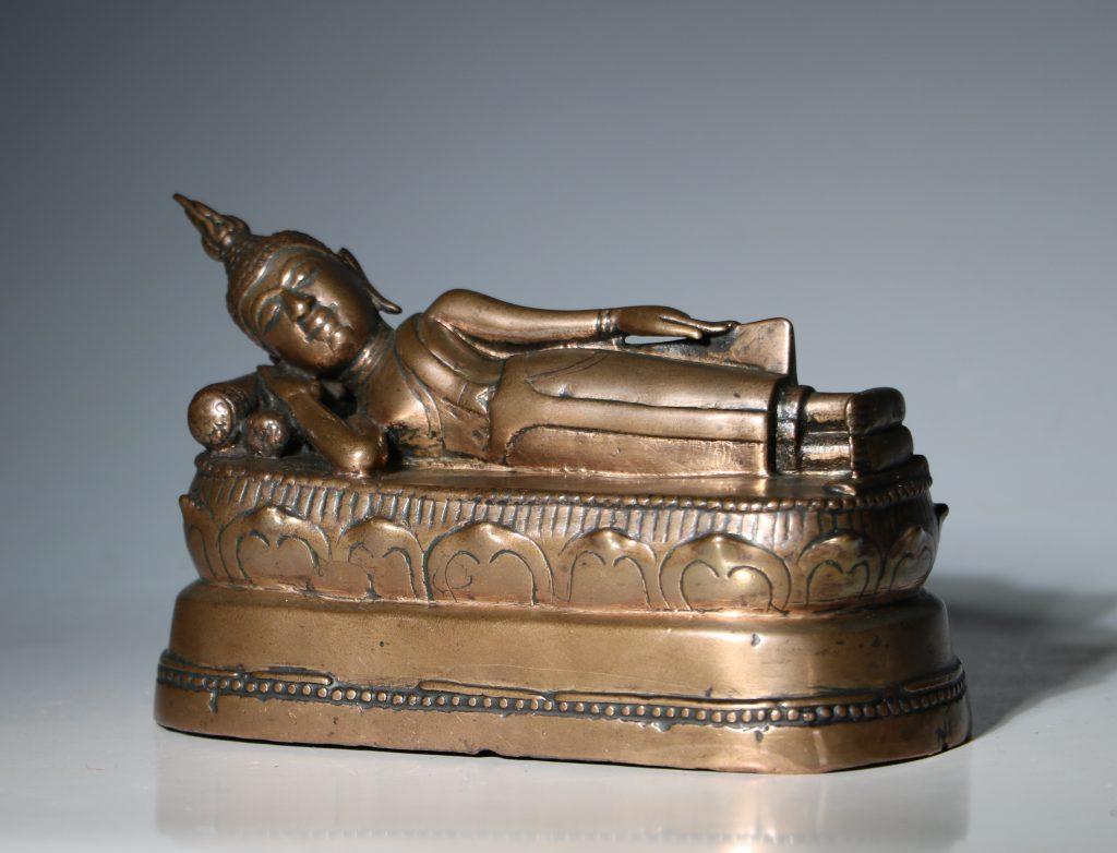 A Thai Figure of the Reclining Buddha 17/18thC 2