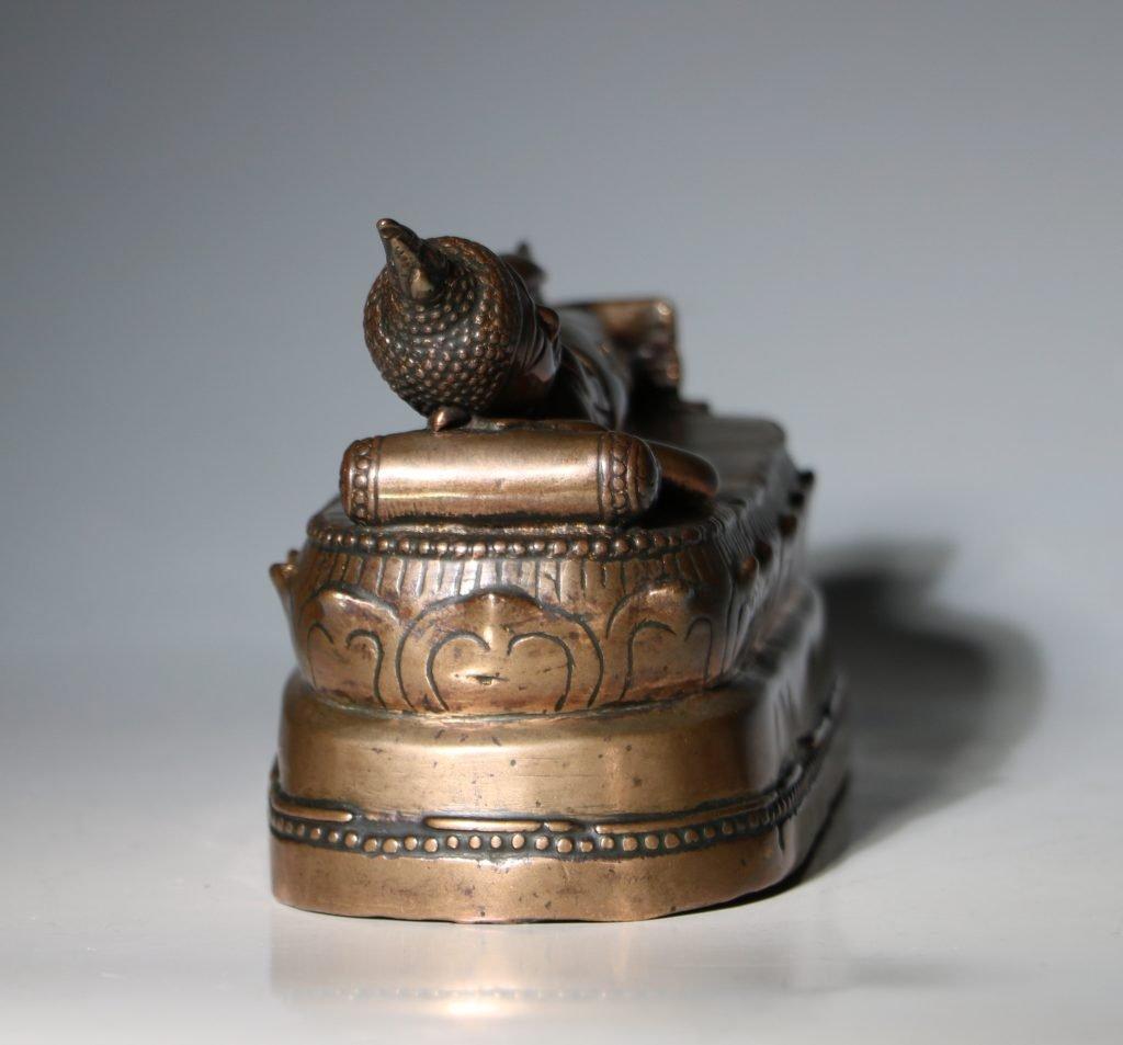 A Thai Figure of the Reclining Buddha 17/18thC 4