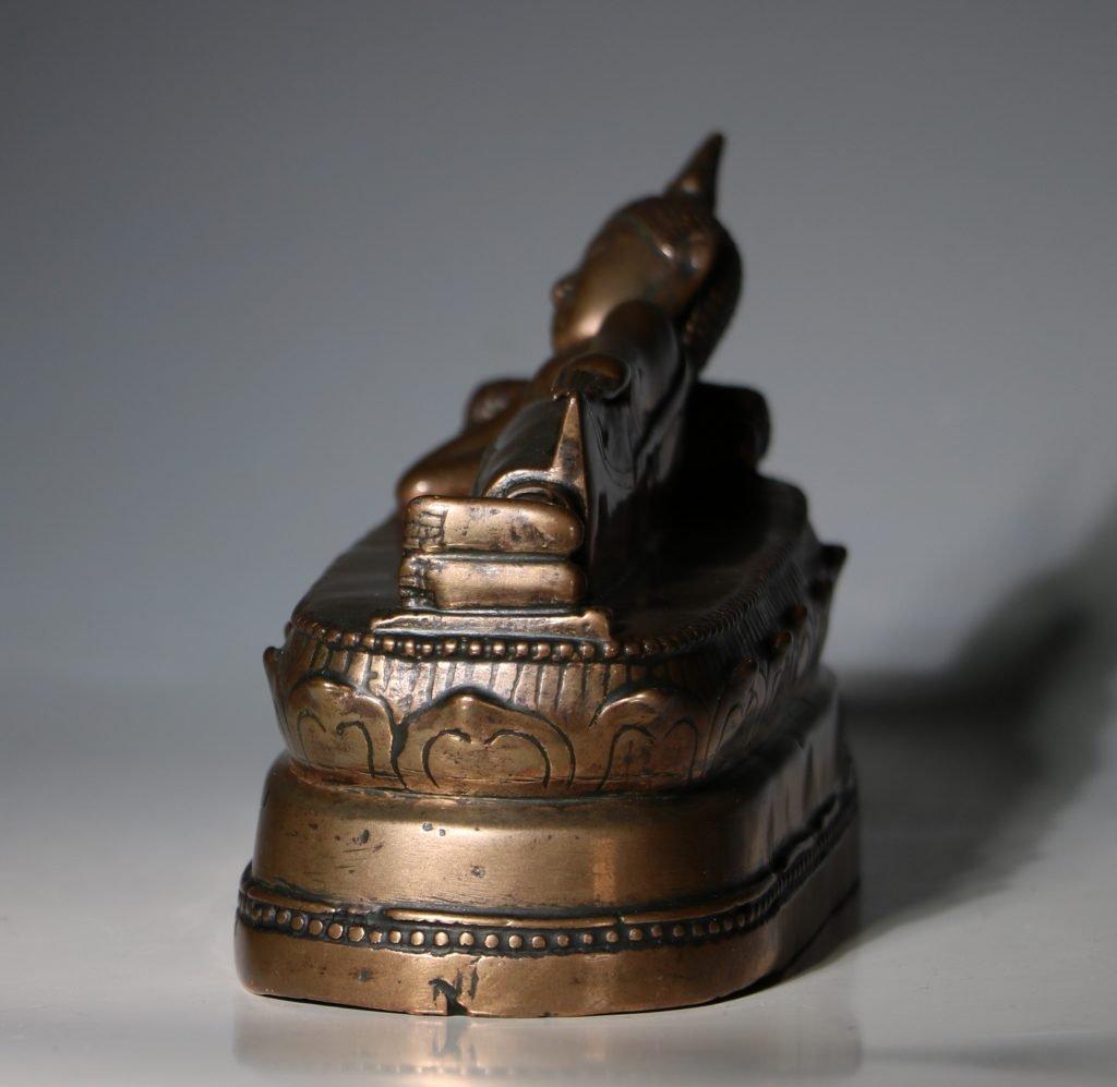 A Thai Figure of the Reclining Buddha 17/18thC 6