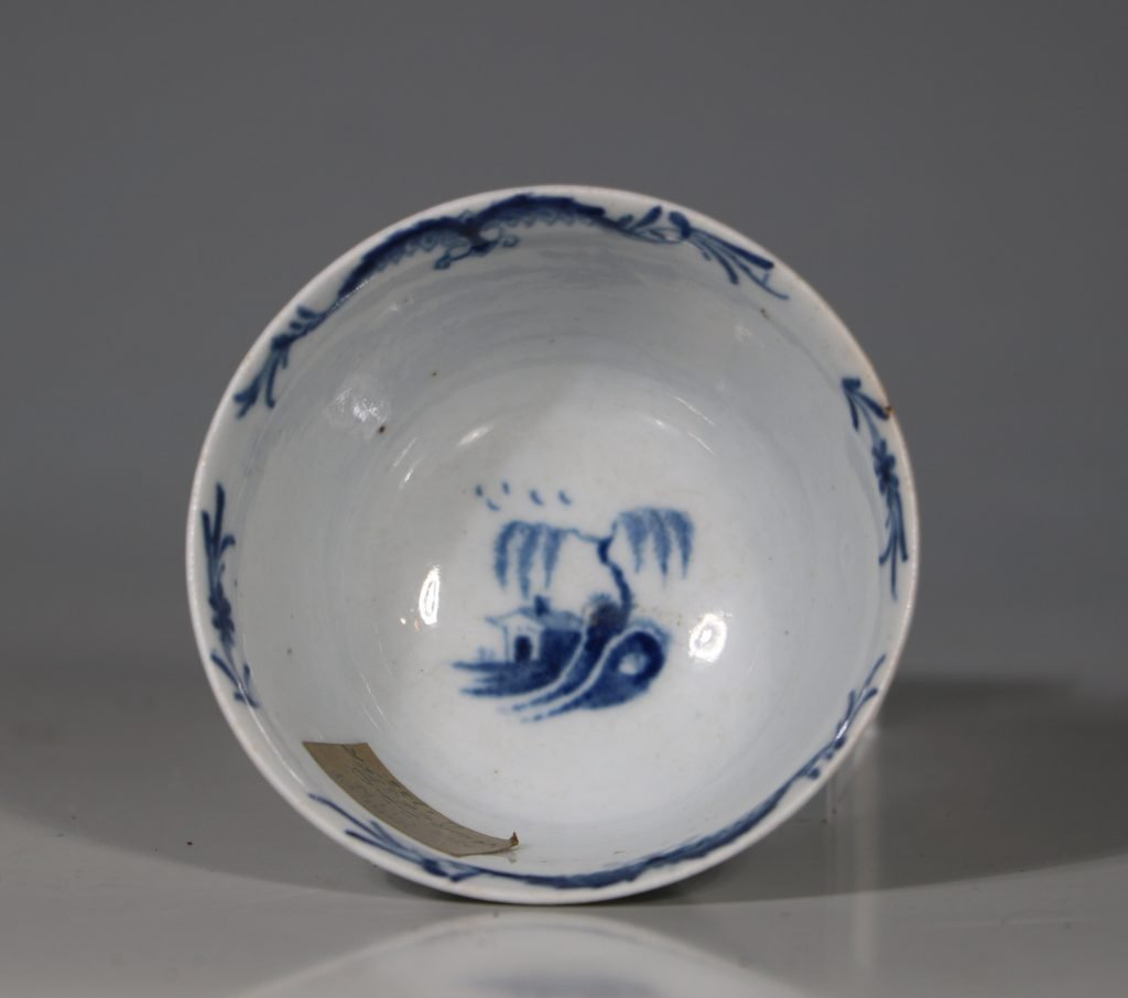A Worcester Blue and White Teabowl and Saucer C1756 6