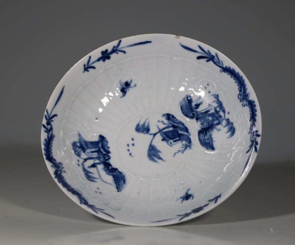 A Worcester Blue and White Teabowl and Saucer C1756 9