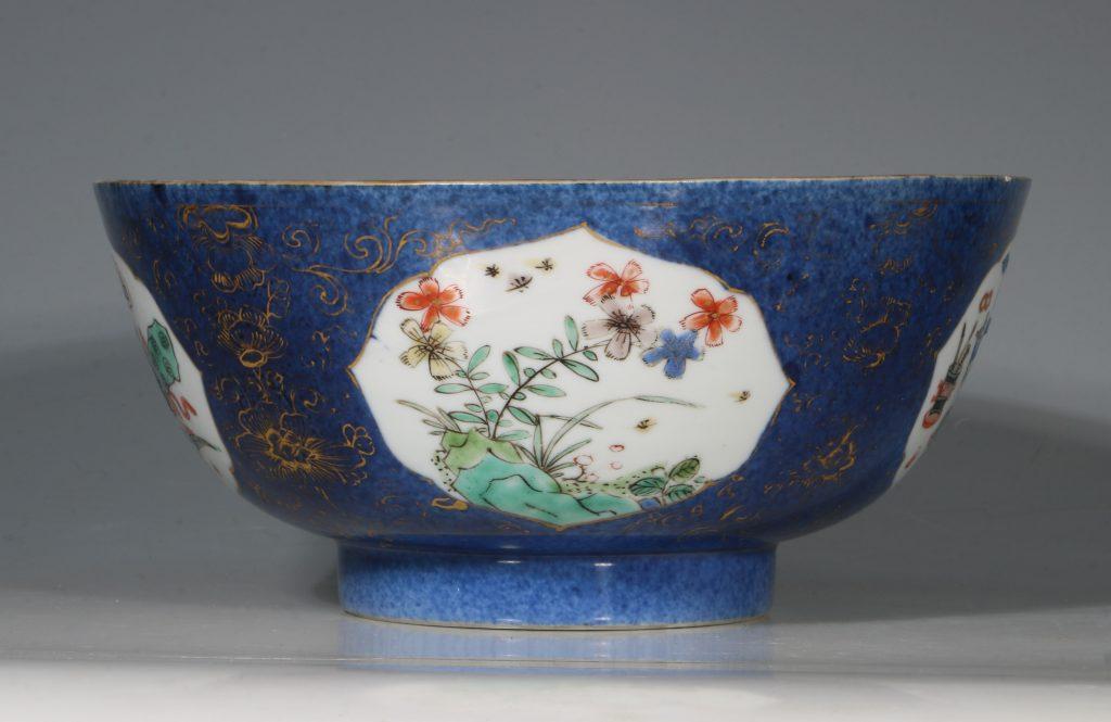 A Chinese Powder Blue Ground Famille Verte Bowl Kangxi E18thC 2